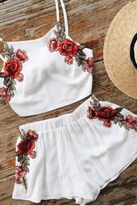 White pair embroidery upper garment skirt two-piece set