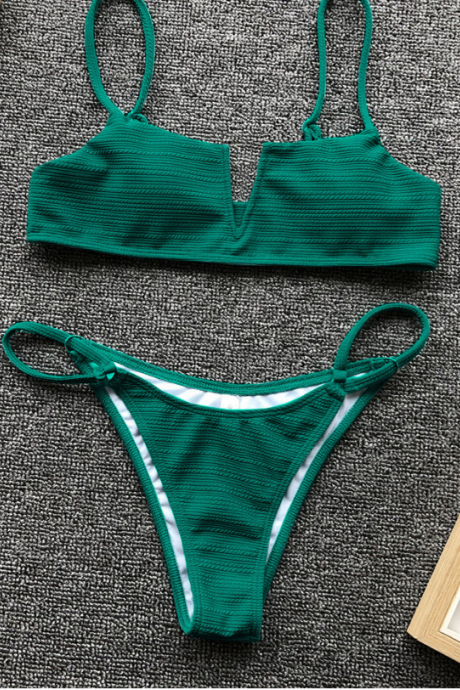 Large V pure color split bathing suit